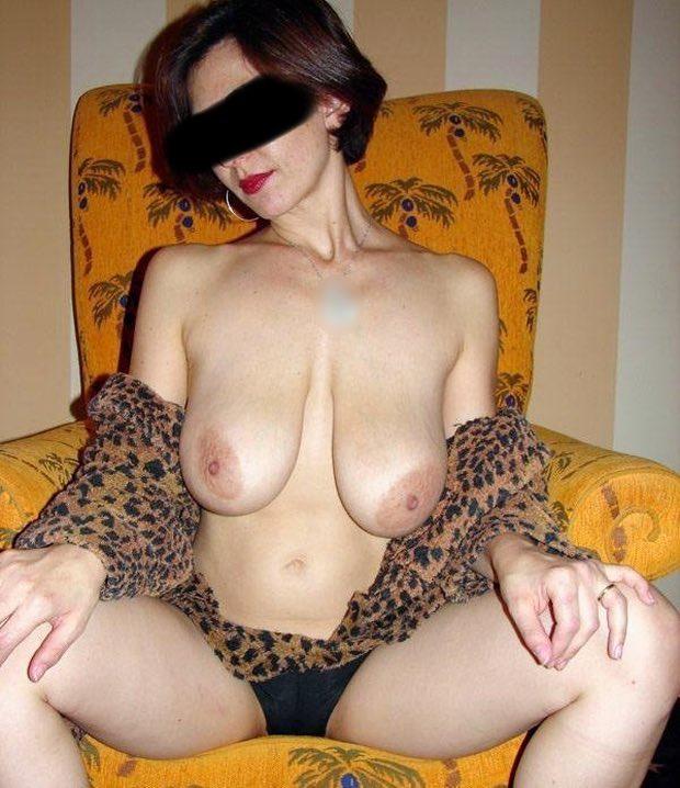 Des gros seins à peloter